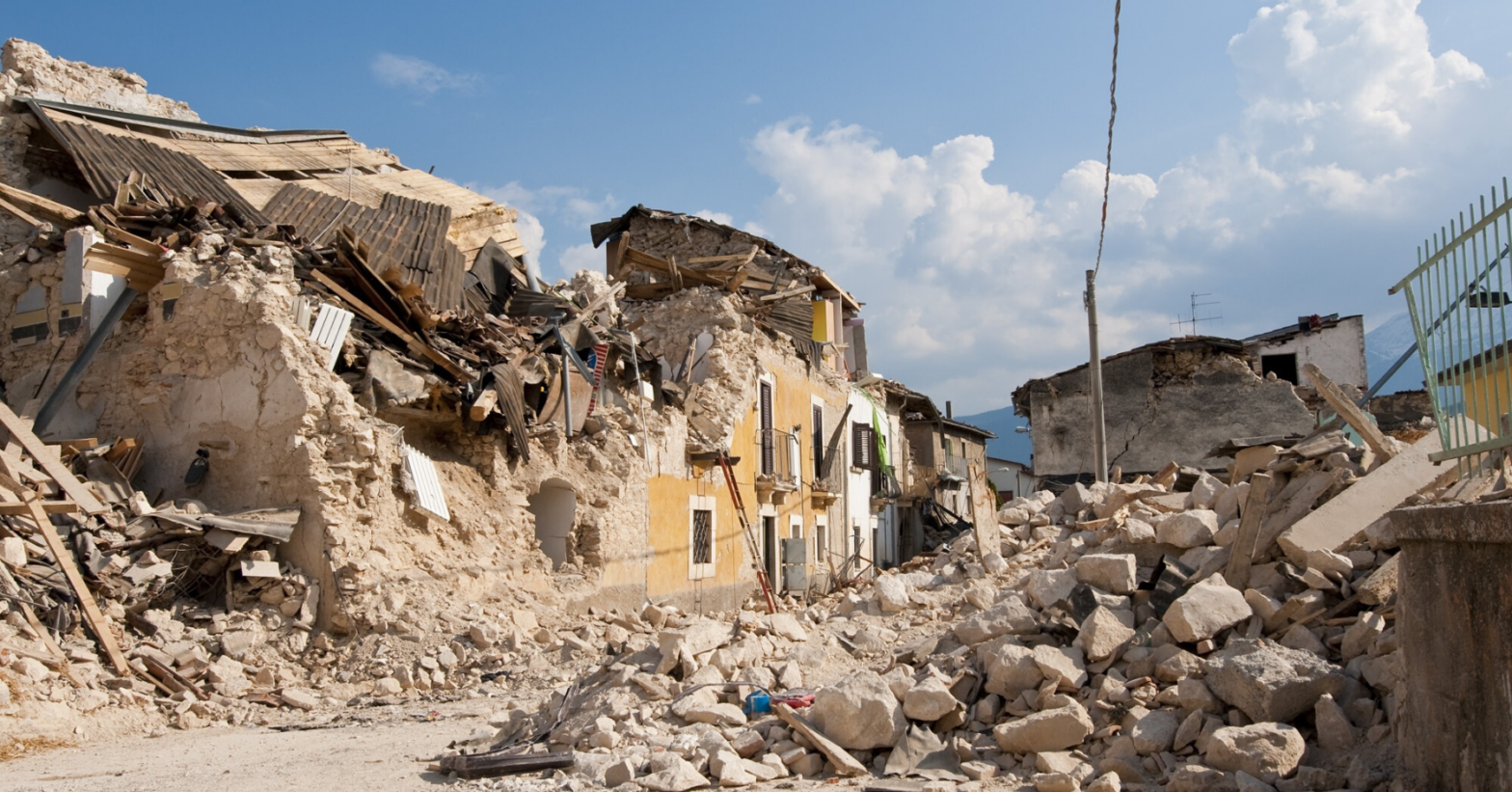 ruined-building-by-blast-pressure-and-extreme-events